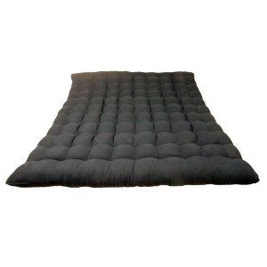 Zabuton le tapis de meditation en complement de votre for Tapis yoga avec canapé avec pouf intégré
